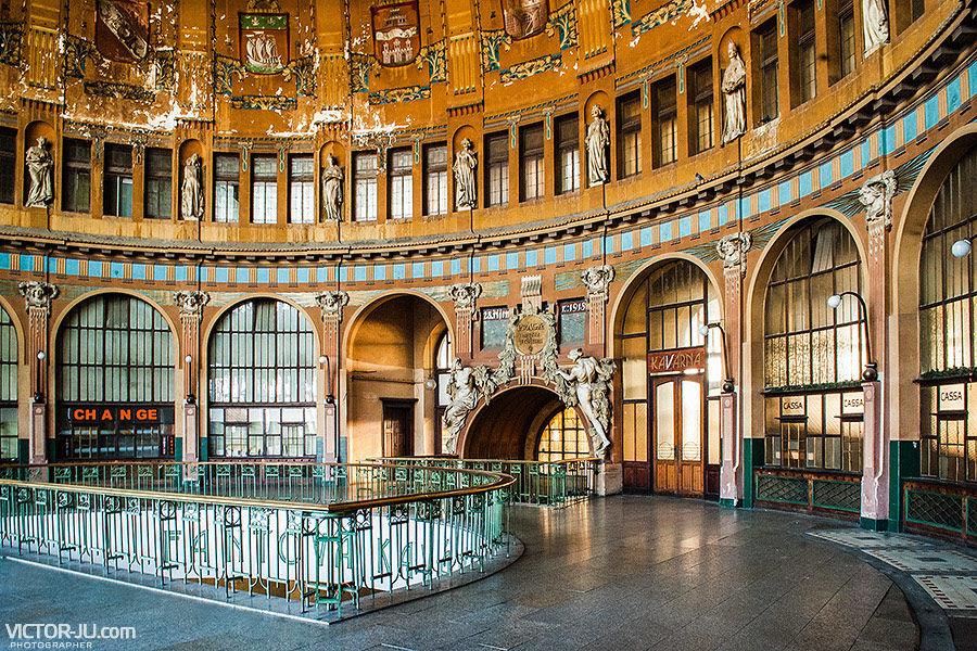 Главный вокзал в Праге - старое здание