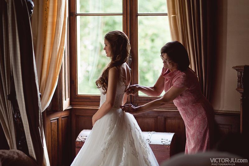 Невеста Екатерина с матерью -свадьба в замке, Франция