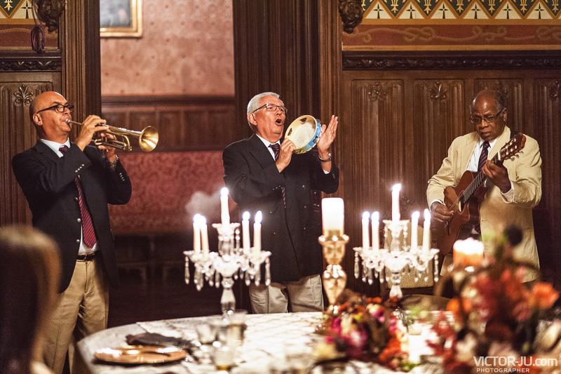 Музыканты на французской свадьбе