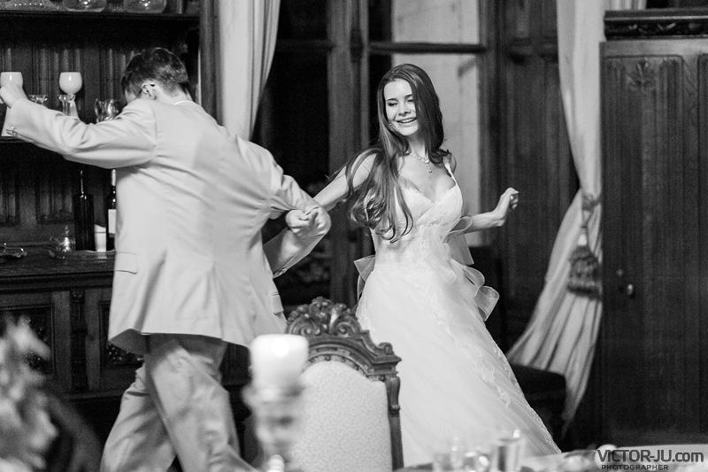 Танец молодых на свадьбе во Франции