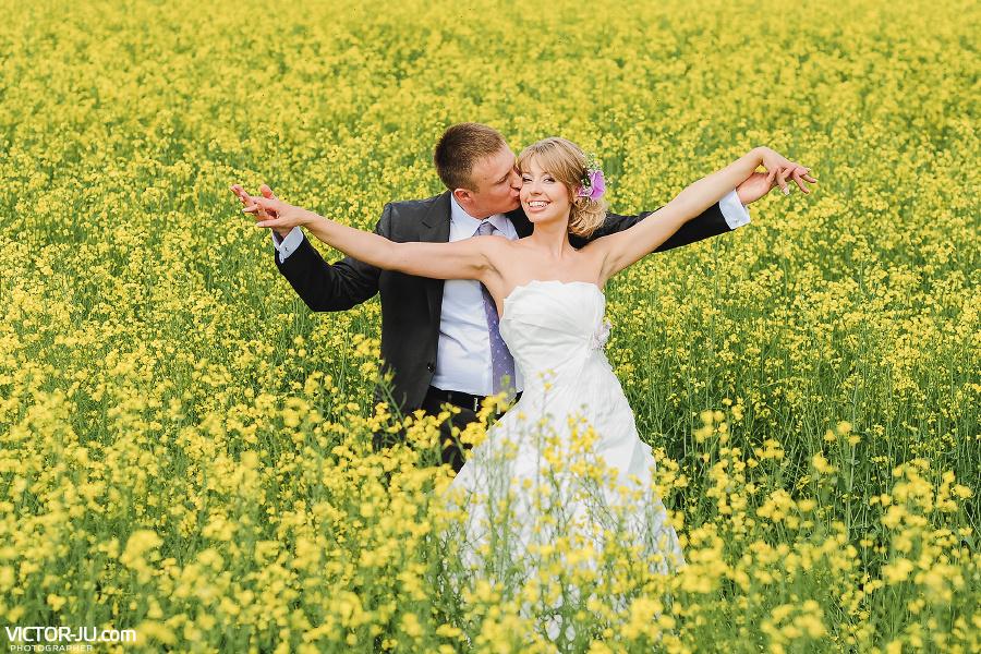 Свадебная фотография молодоженов Анны и Евгения