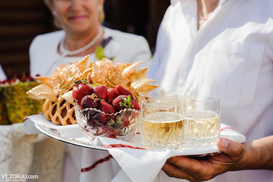 Чем угощать гостей на свадьбу