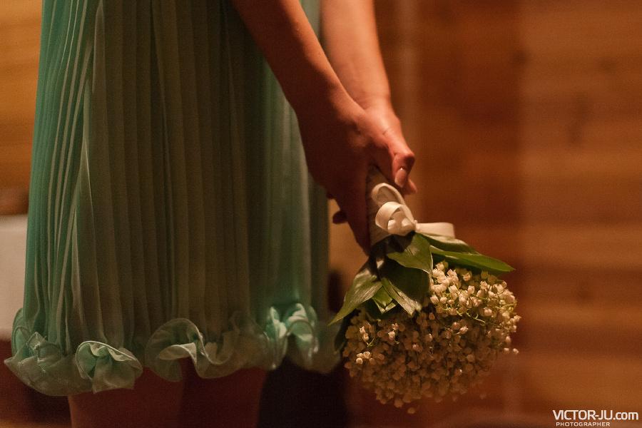 Как правильно бросать букет невесты