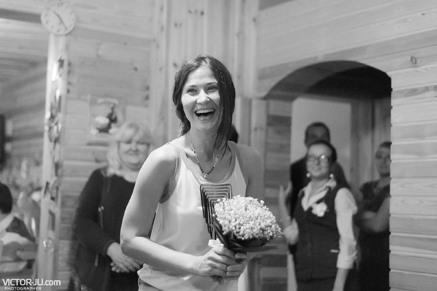 Словила букет невесты