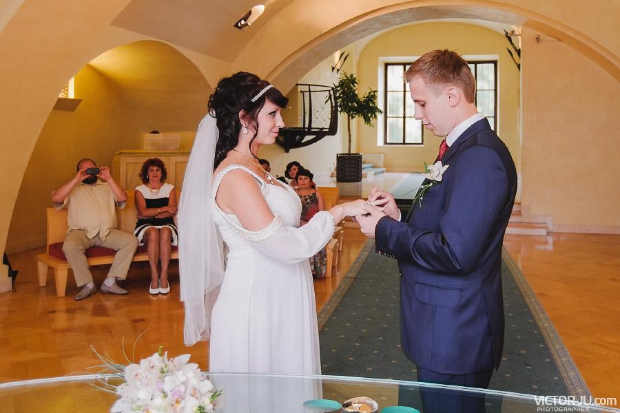 Регистрация брака Виктории и Ивана в Праге