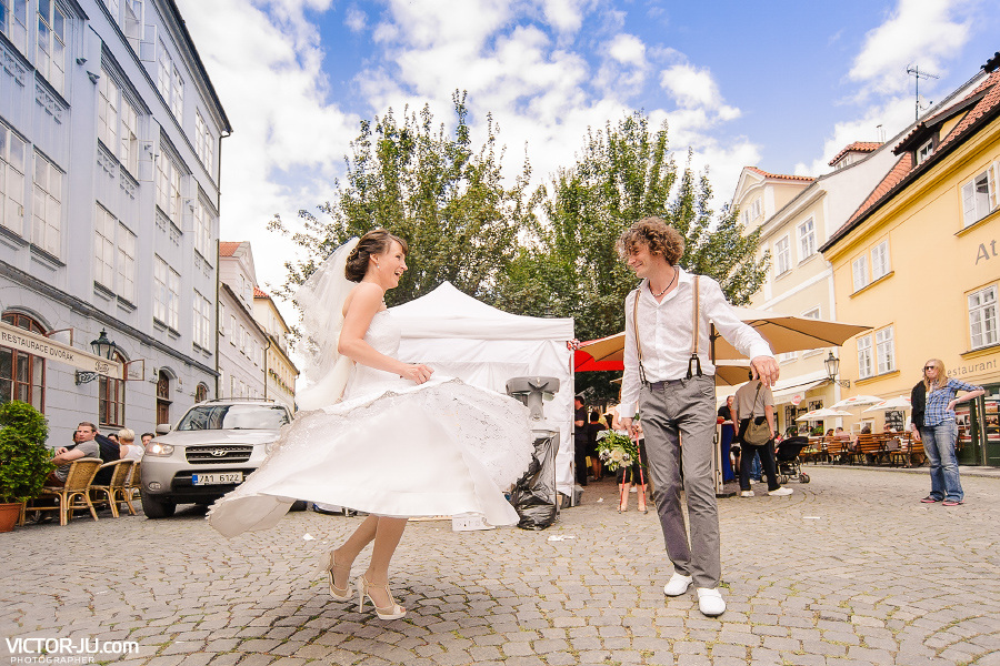Танцы на свадьбе в Праге