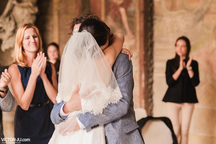Первый супружеский поцелуй фото