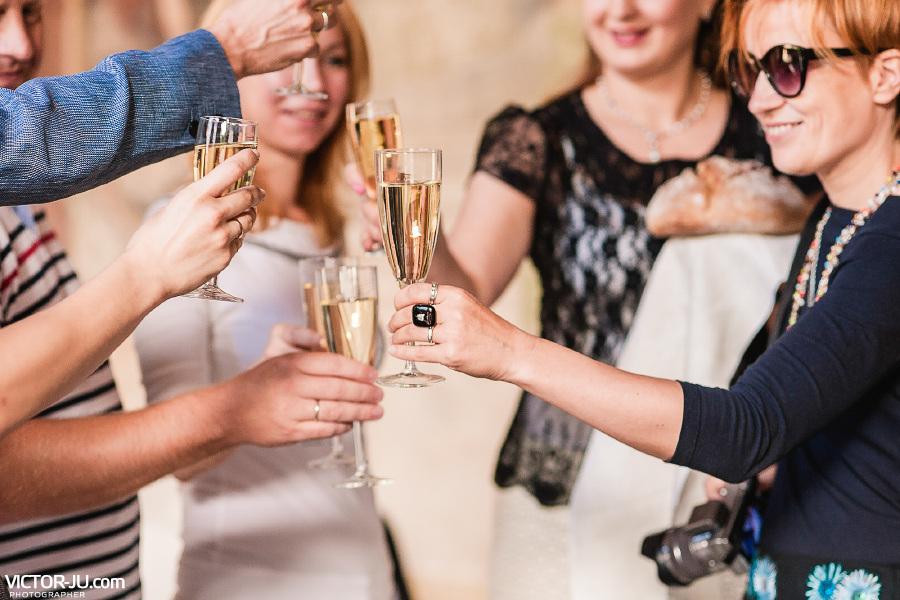 Поздравление гостей на свадьбе в Праге