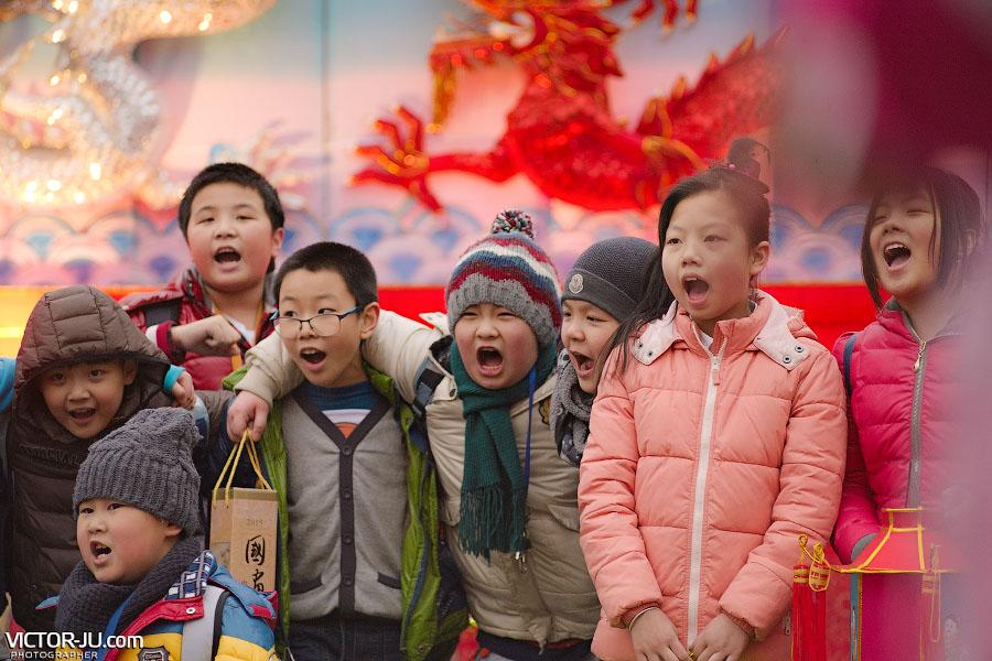 Китайские дети на празднике в Чехии
