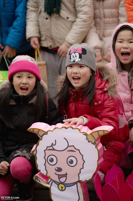 Китайские дети на Старогородской площади