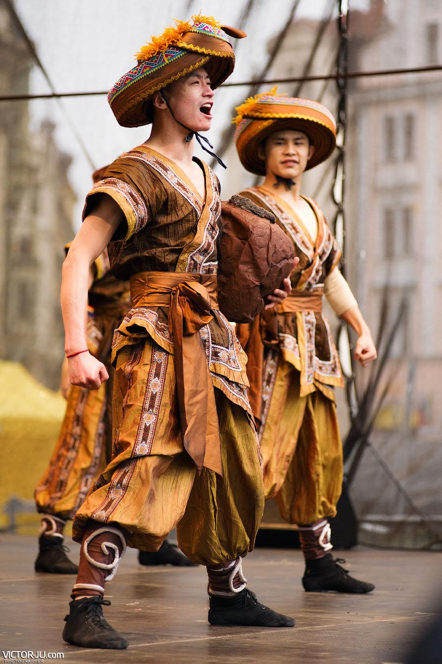 Артисты на празднике в Праге