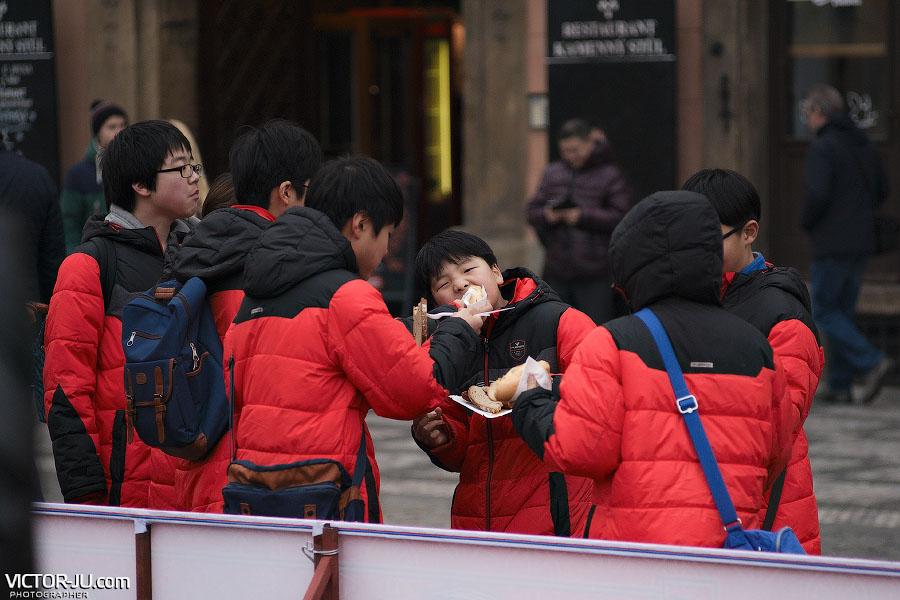 Туристы из Китая в Праге