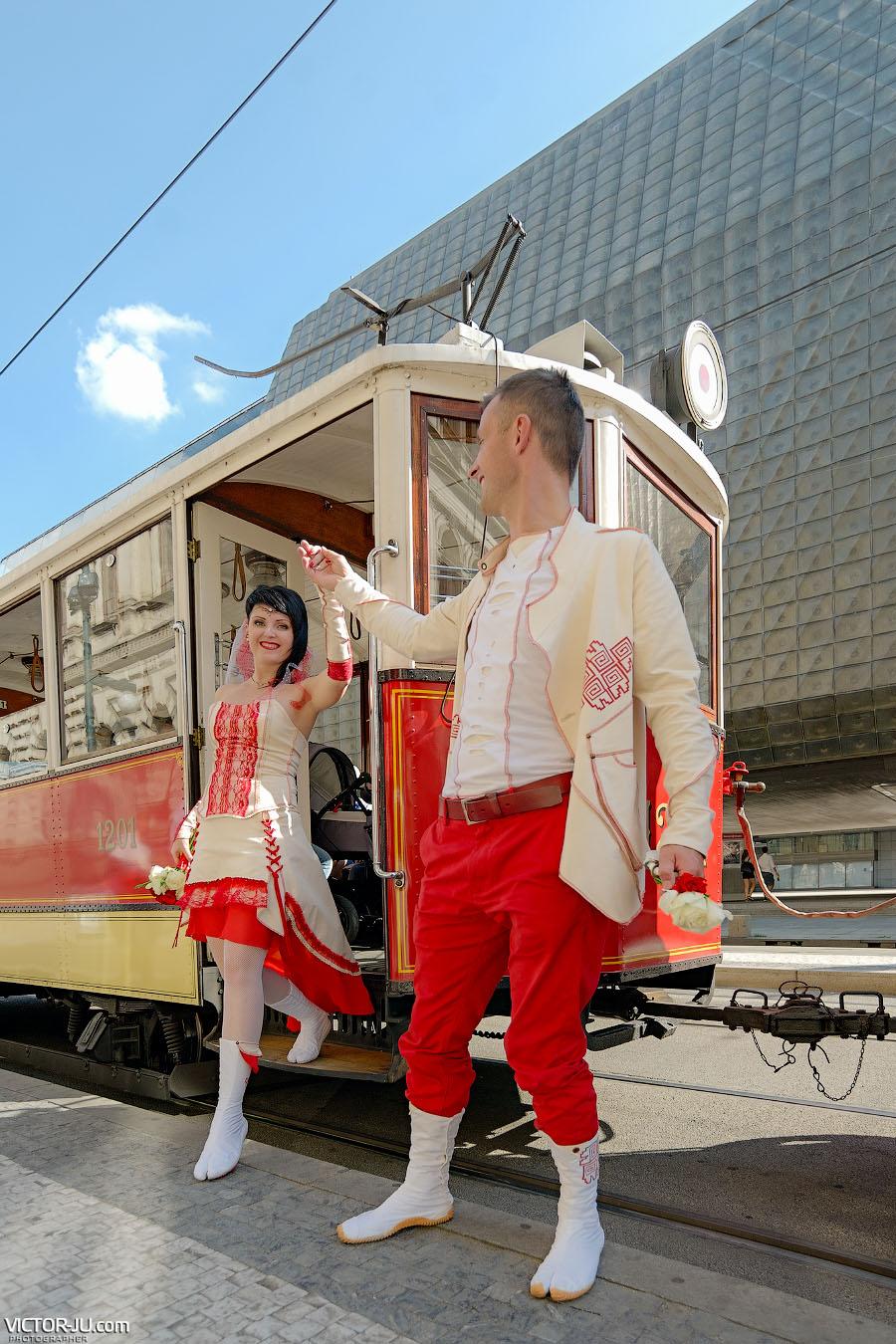 Яркие свадебные фотографии в Праге