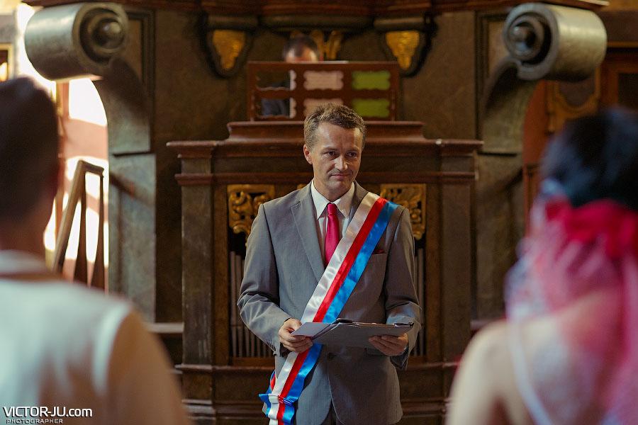 Символическая свадебная церемония в Праге