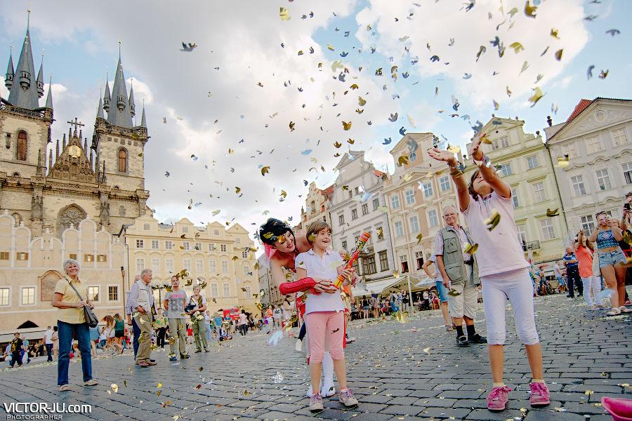 Заказать хлопушки на свадьбу в Праге