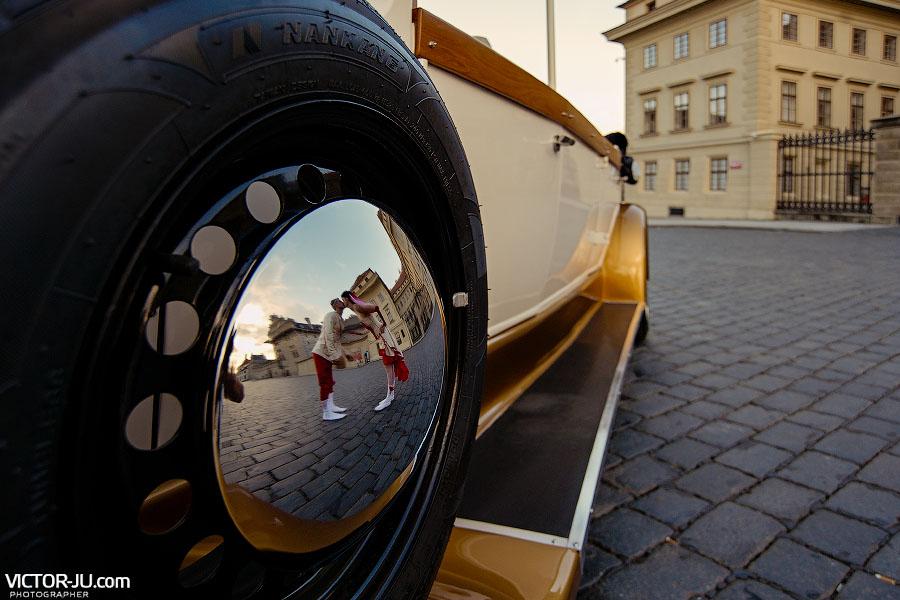 Фотография с ретро-автомобилем в Праге