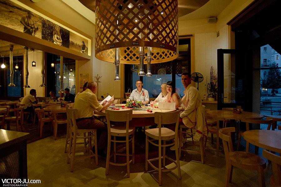Уютный ресторан в Праге