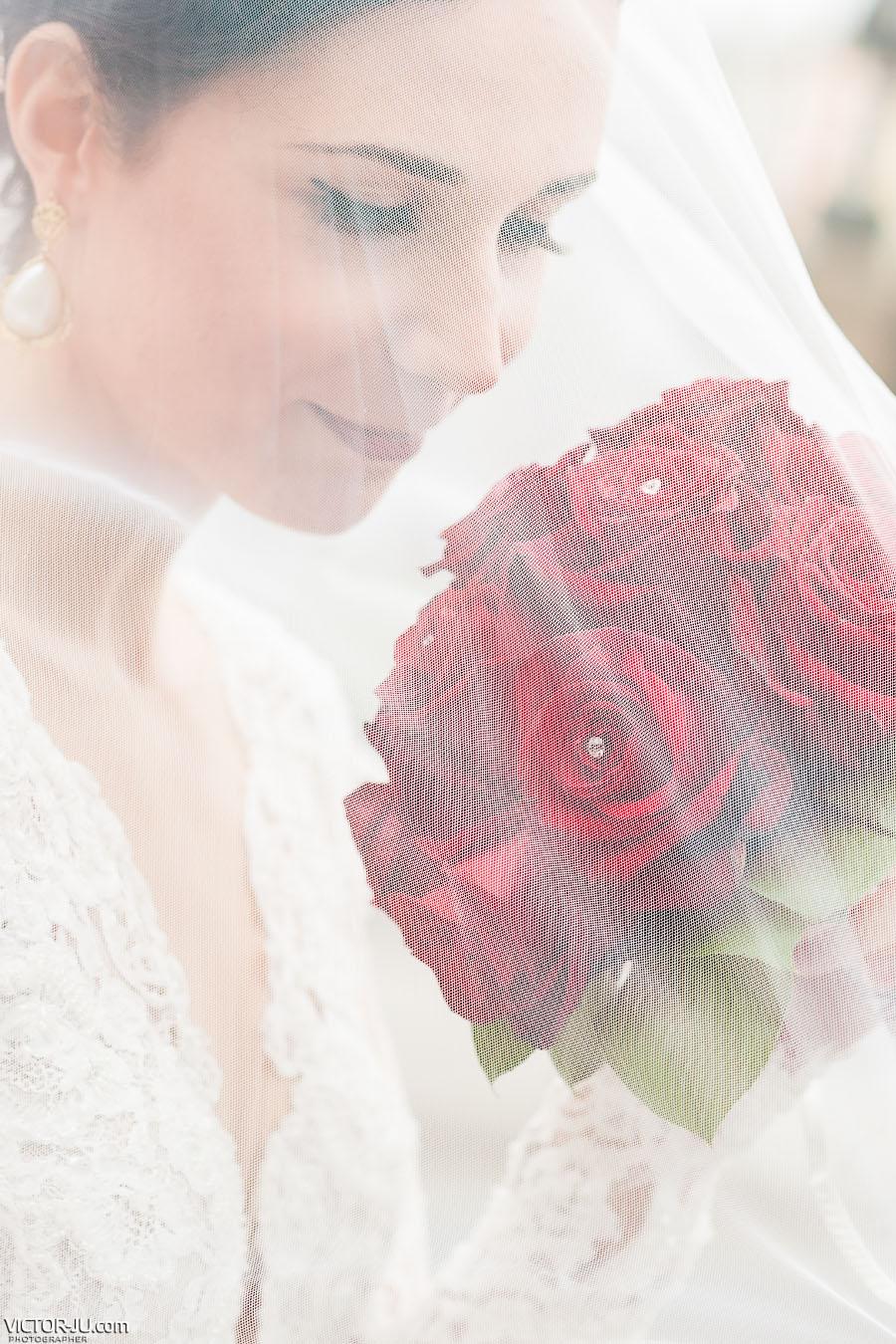 Портрет невесты с букетом