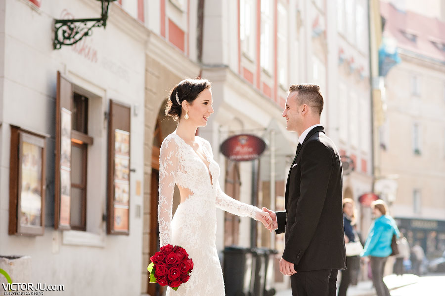 Солнечные фотографии со свадьбы в Праге