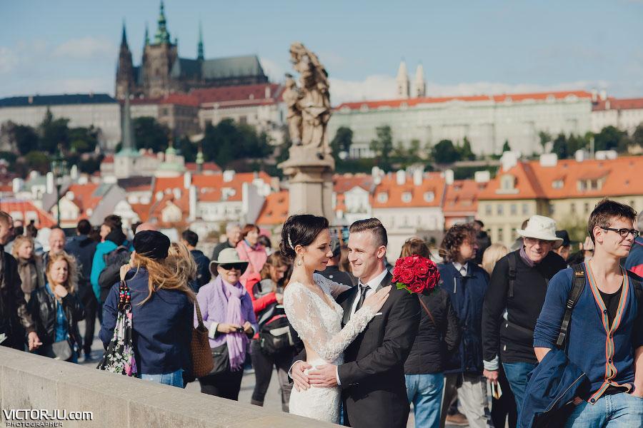 Свадебная фотография на Карловом мосту