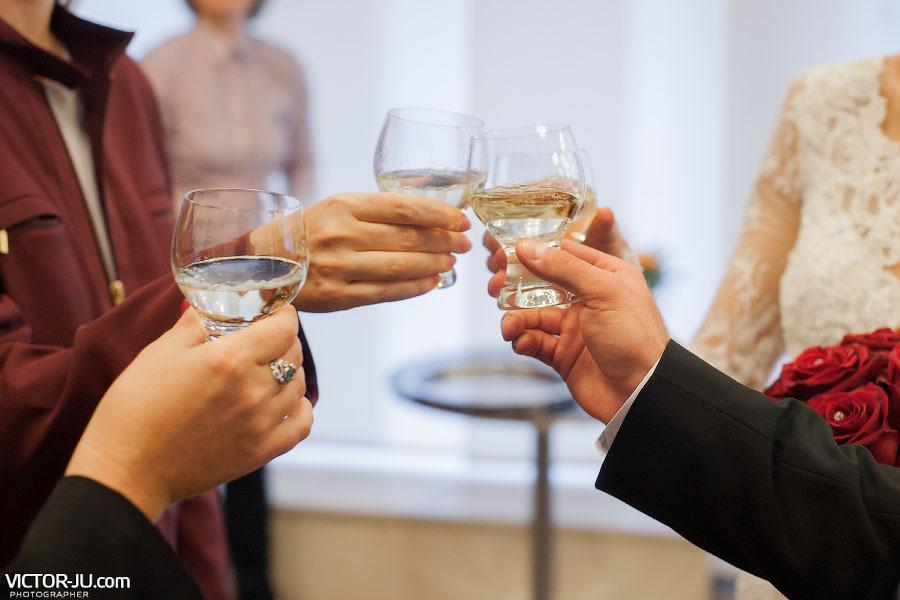 Шампанское - главный свадебный напиток!