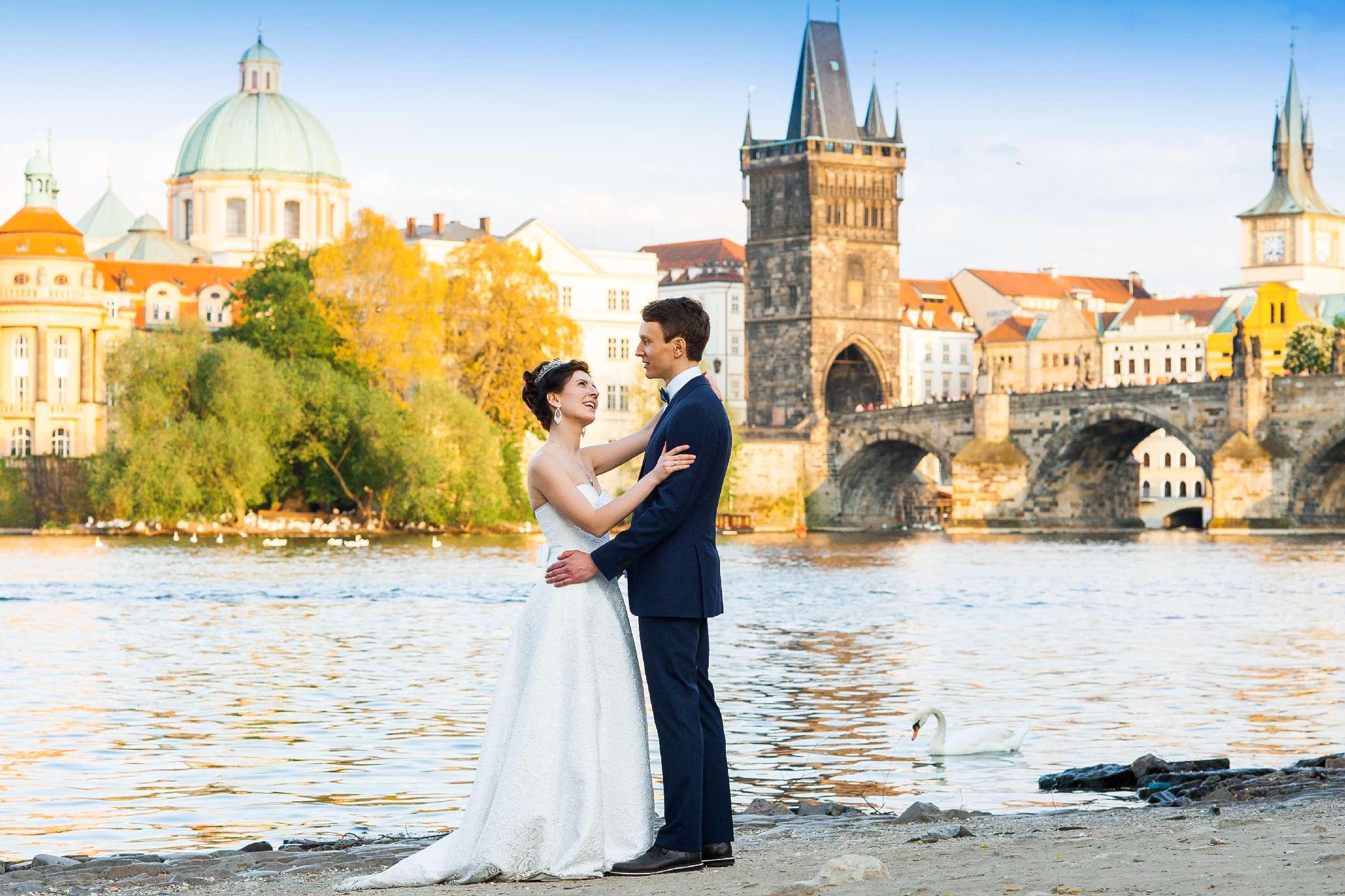 Фотосъемка на фоне Карлового моста