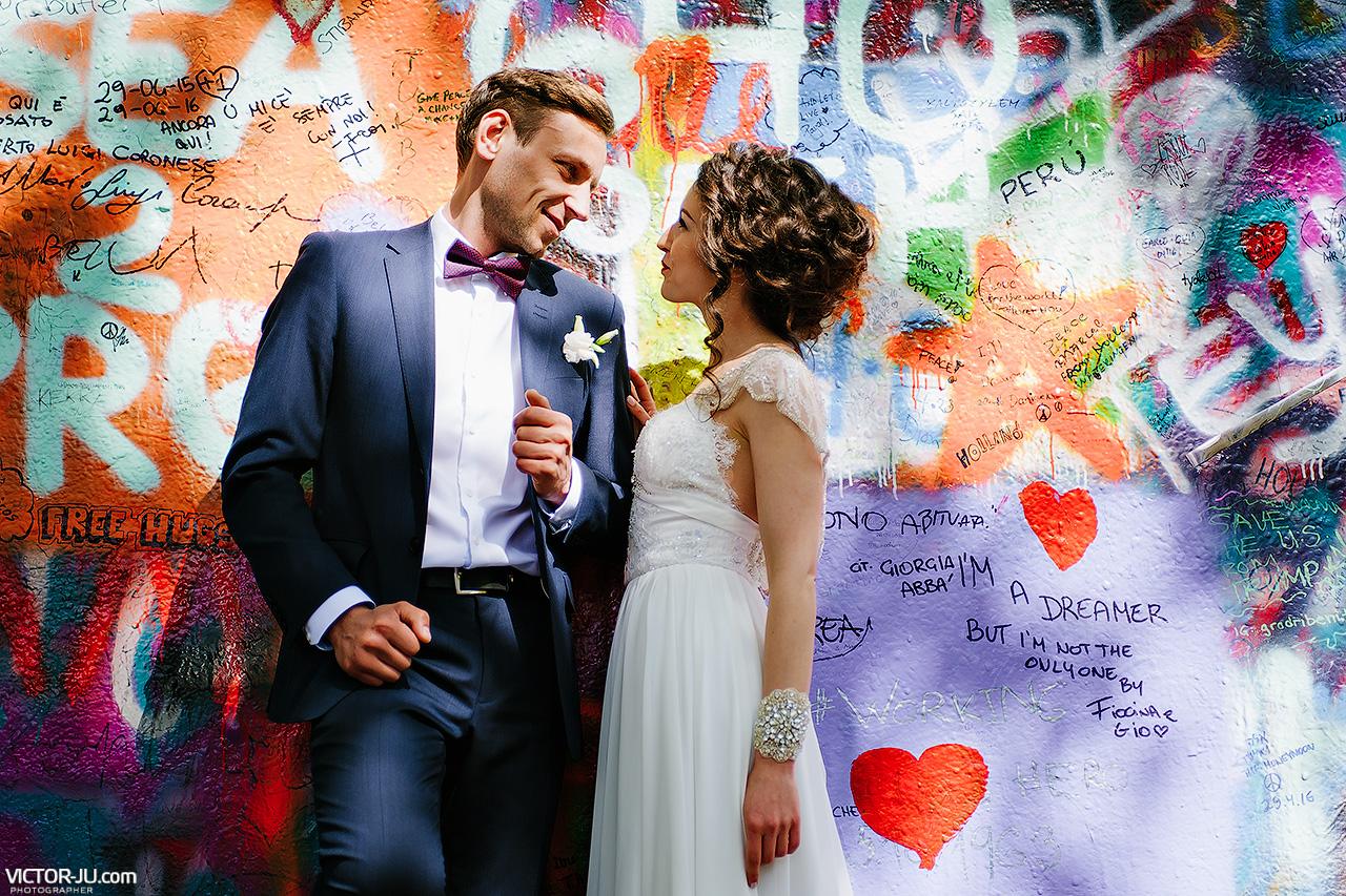 Стена Джона Леннона в Праге свадьба