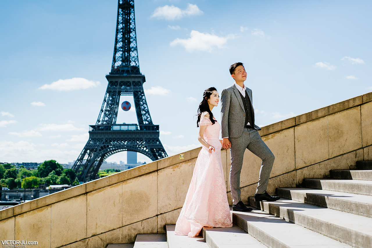 Wedding photography in Paris near the Eiffel Tower