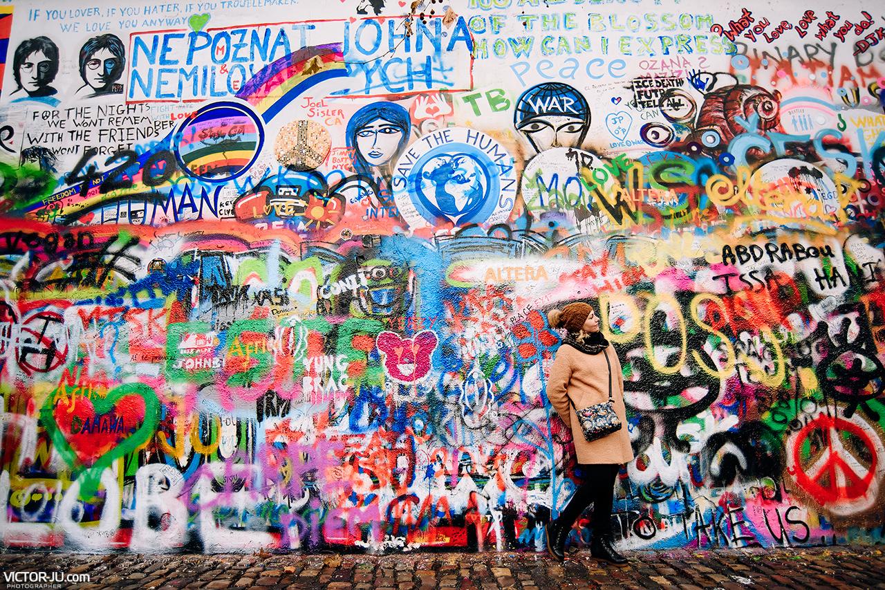 Стена Джона Ленона в Праге