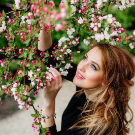 Весенняя фотосессия в цветущих садах Праги
