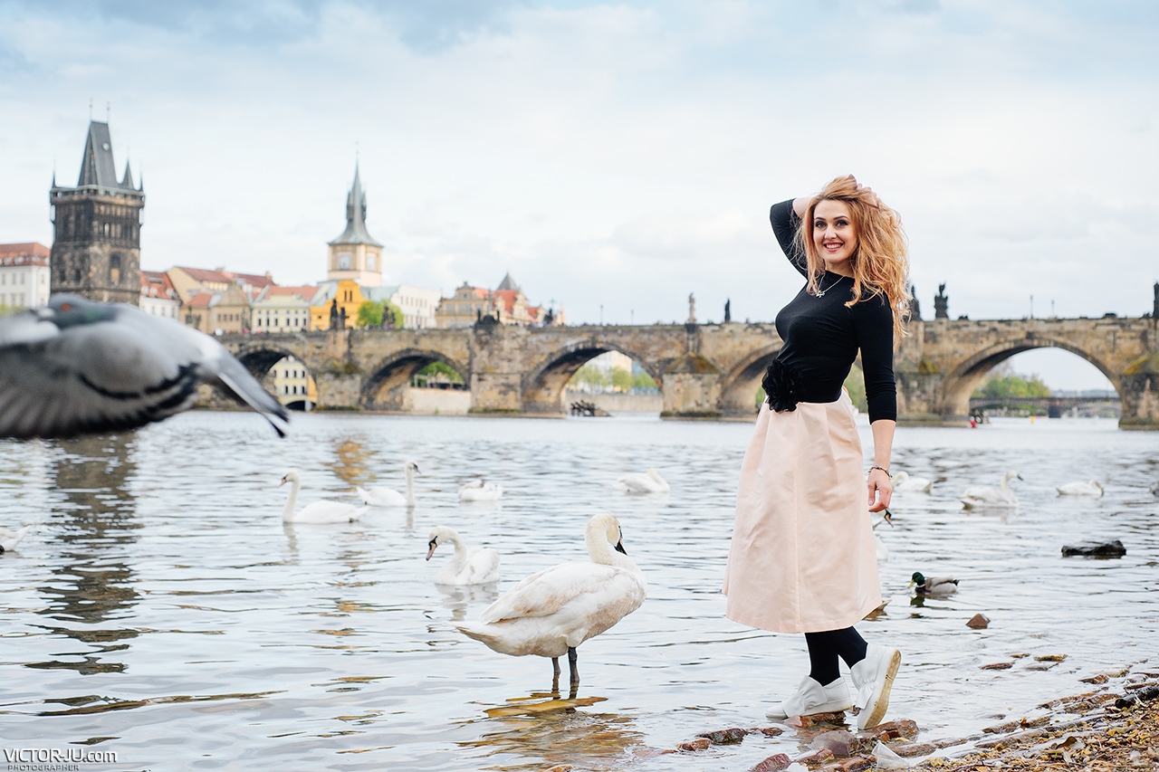 Photoshoot in Prague Charles Bridge