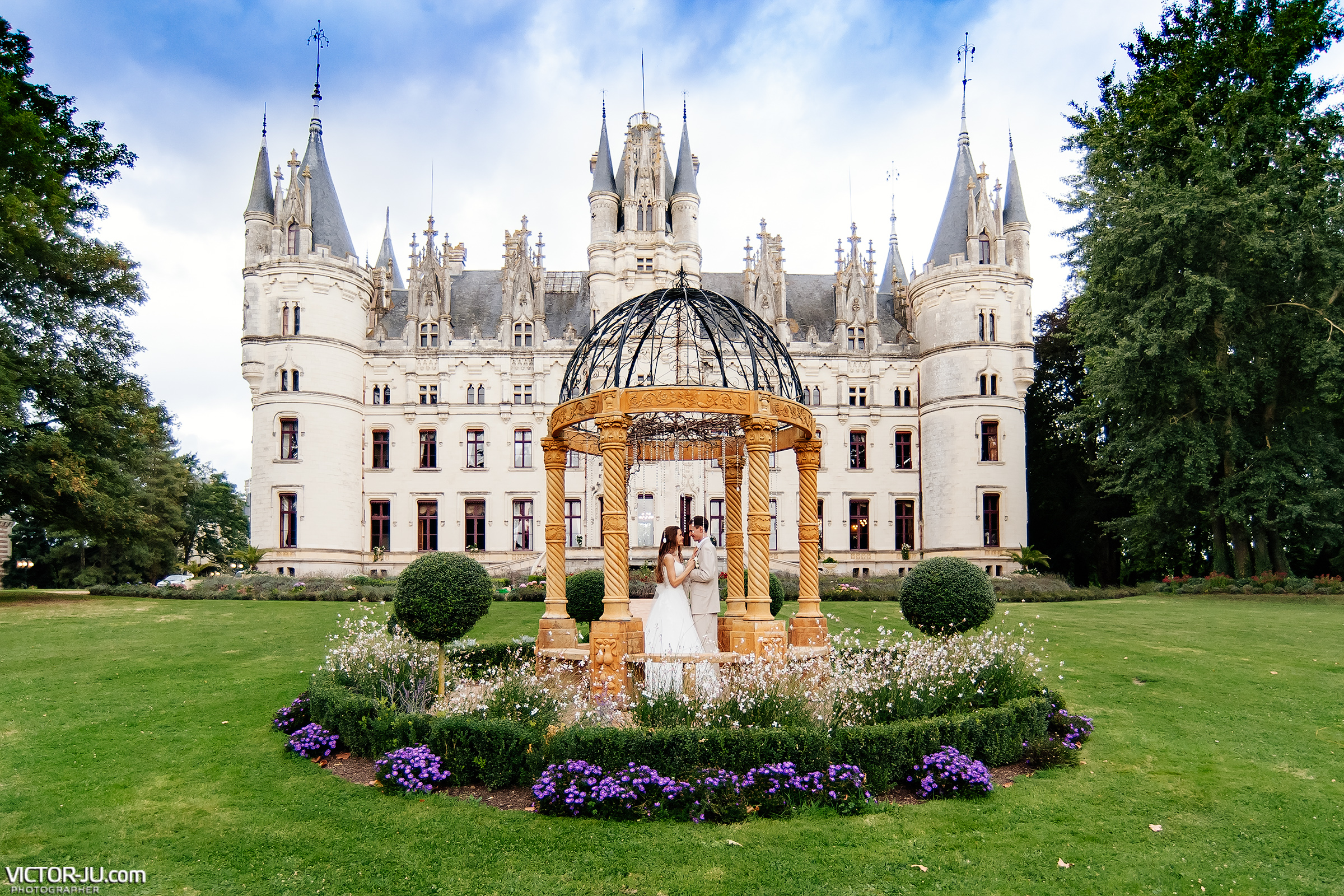 Wedding in France castle chateau de challain