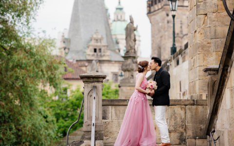 Pre wedding photo shoot in Prague