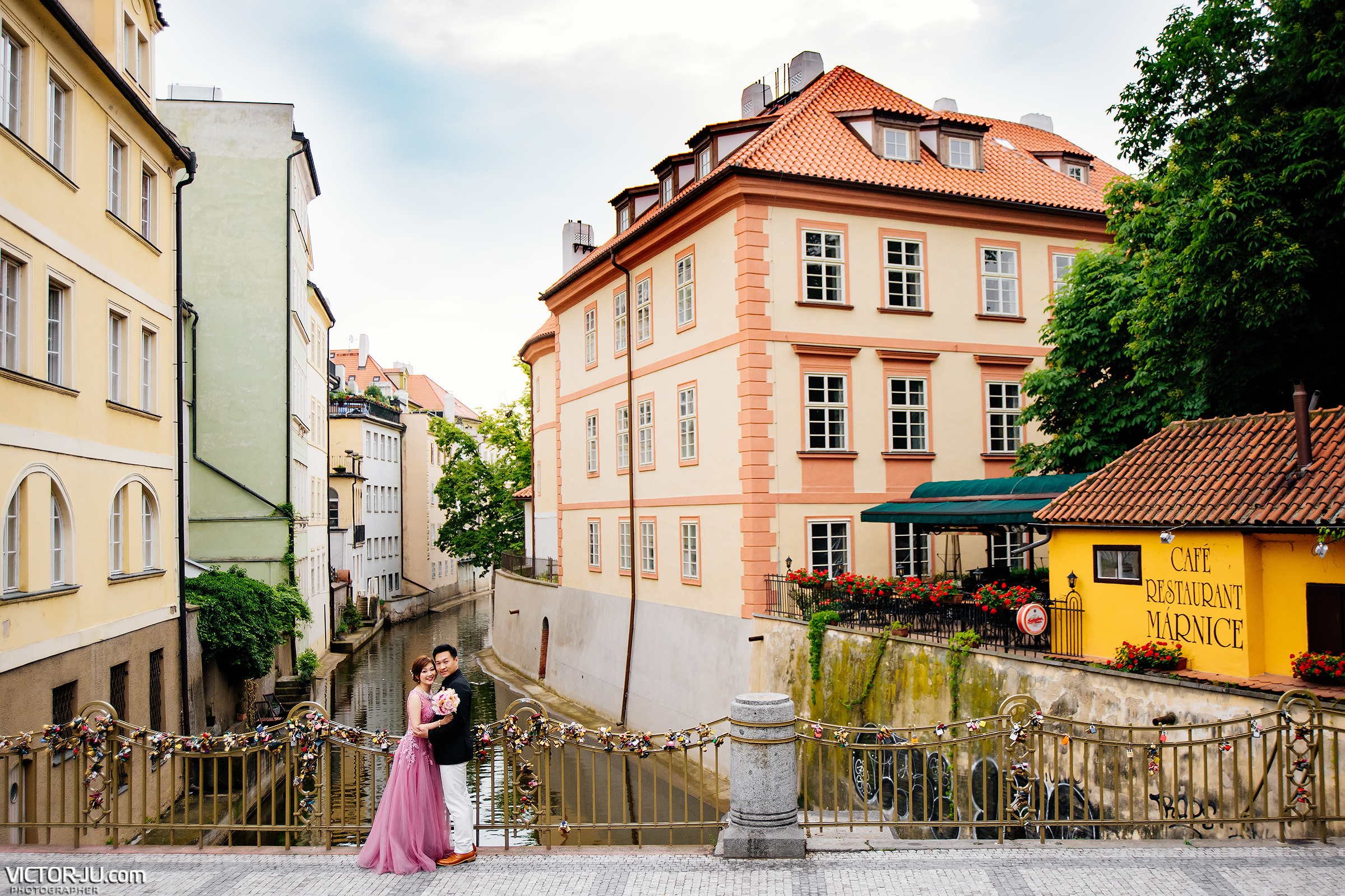 prague pre wedding photography