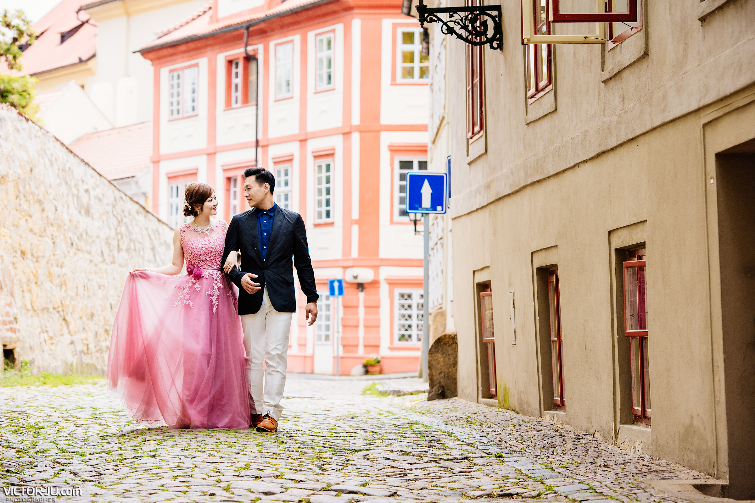 Engagement photo shoot in Prague
