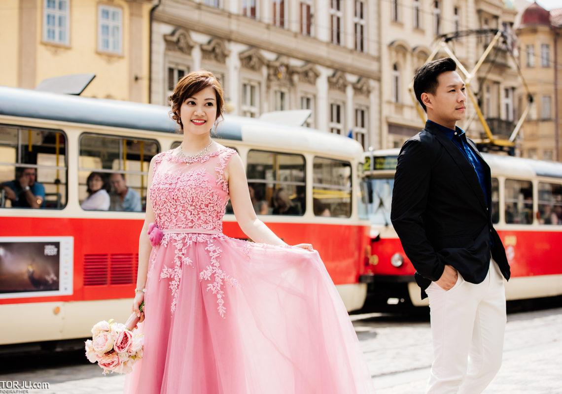 Pre wedding photo shoot Prague