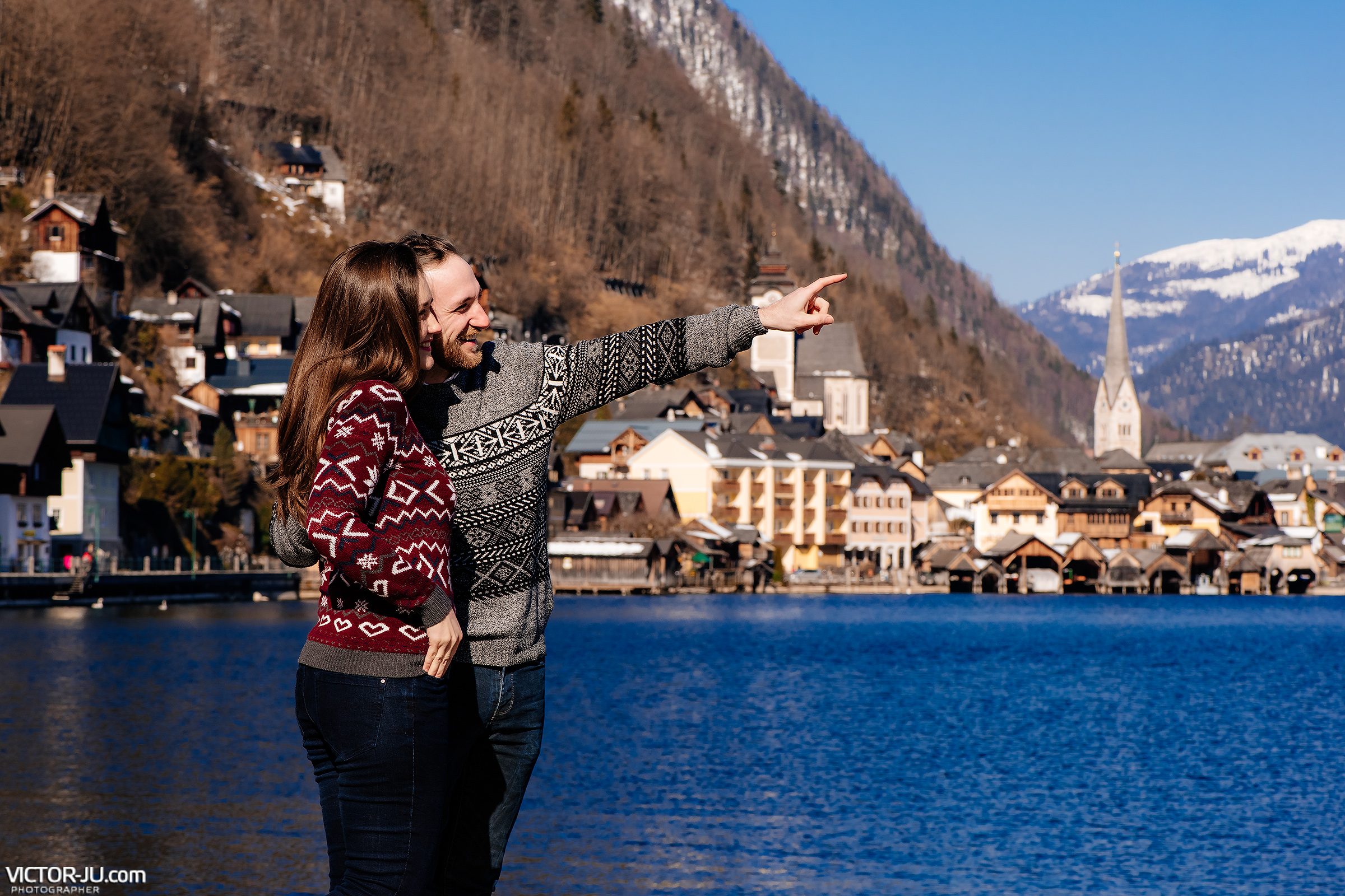 Engagement photo shoot in Hallstatt, Austria